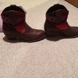Ariat 7B Pendleton boots